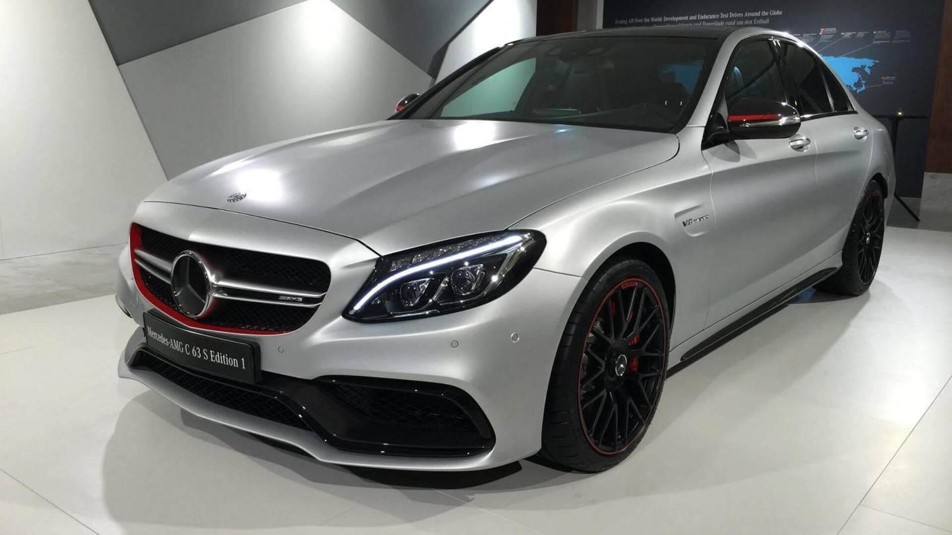 Mercedes-AMG C63S.